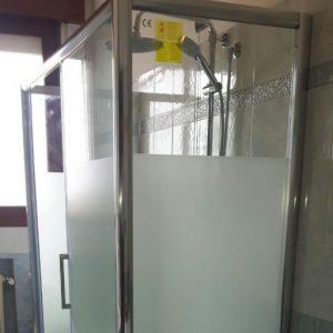 sostituire vasca con box doccia anziani Bologna Croce Coperta